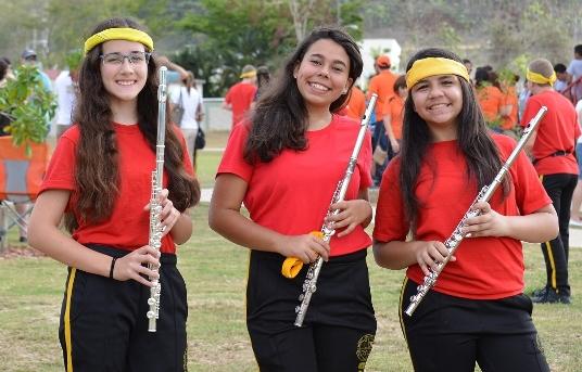 Con la banda musical escolar de CIMATEC, donde estudia... Sí ¡Danitza es músico!(créditos: M. Vásquez)